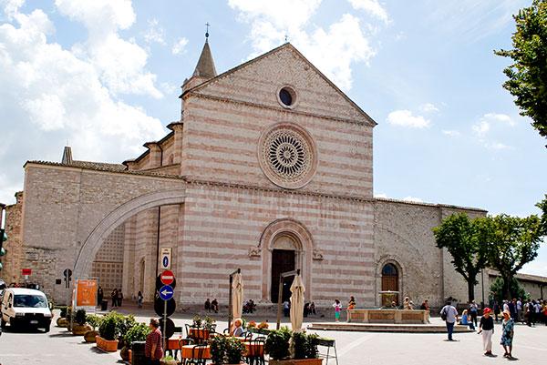 聖キアラ聖堂