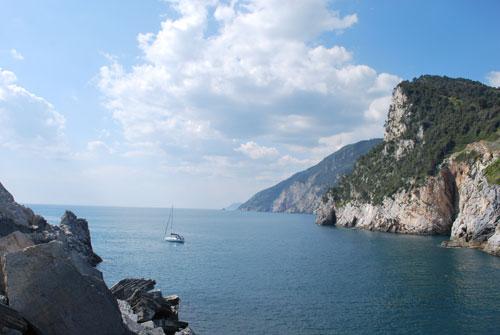ポルトヴェネレの海とヨット
