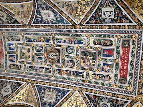 ピッコローミニ図書館天井