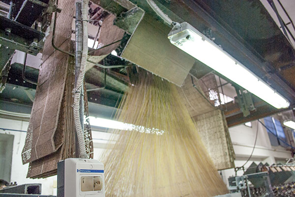ブサッティ社の糸織機