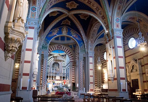 聖マルゲリータ教会の内部