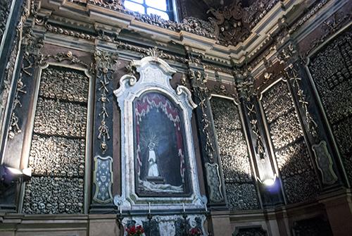 聖ベルナルディーノ教会の骨の礼拝堂