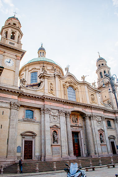 ミラノの聖アレッサンドロ教会外観