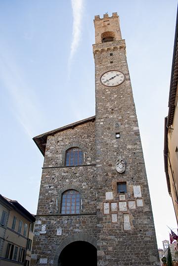 モンタルチーノの時計台