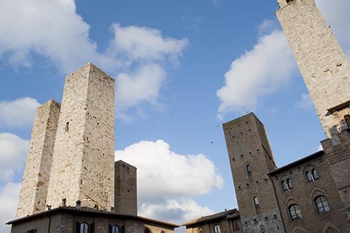 サンジミニャーノの広場から見える塔