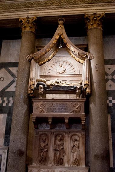 バルダッサーレコッサ墓