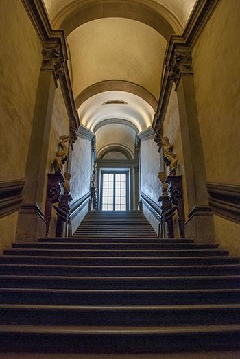 ウフィッツィ美術館階段