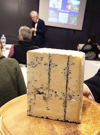 イタリアでチーズソムリエ