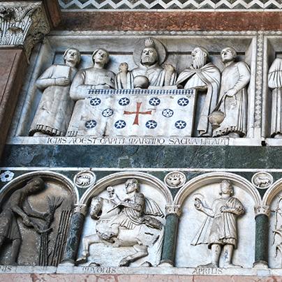 ルッカドゥオモのファザード彫刻