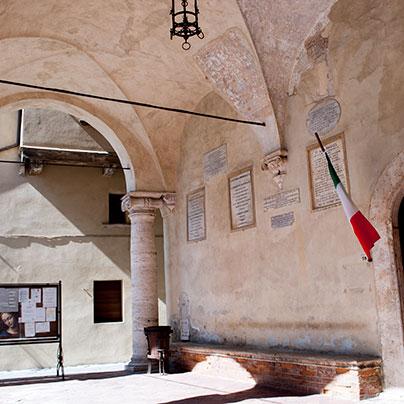 ピエンツァの市庁舎の柱廊
