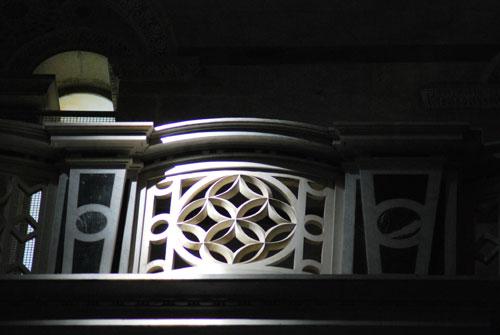 ピサのドゥオモファザード裏