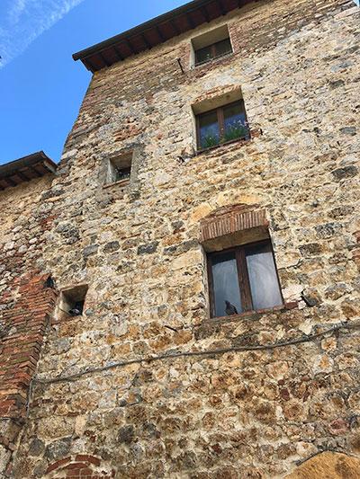 モンテリッジョーニ建物