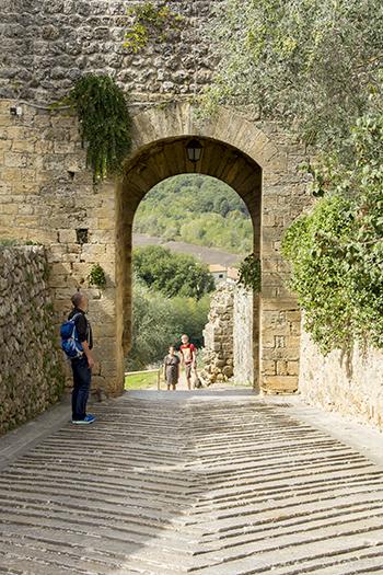 モンテリッジョーニ門の入り口
