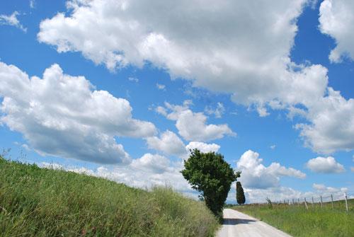 オルチャ渓谷と雲