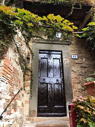 モンテフィオラッレの扉