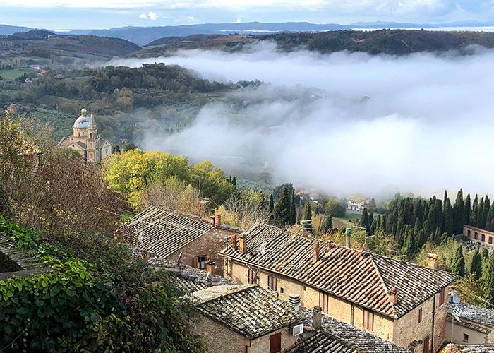 モンテプルチャーノからの眺め
