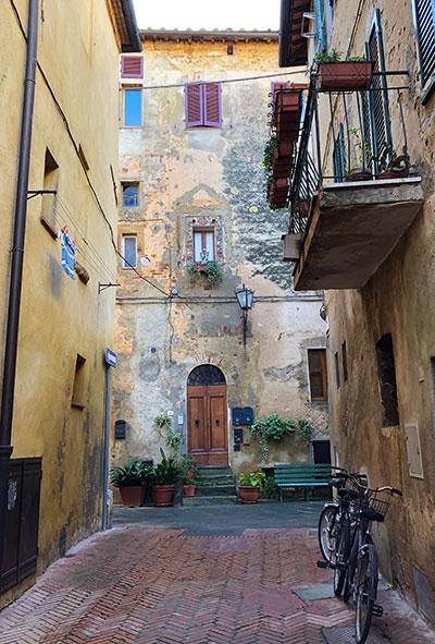 ピエンツァの街角