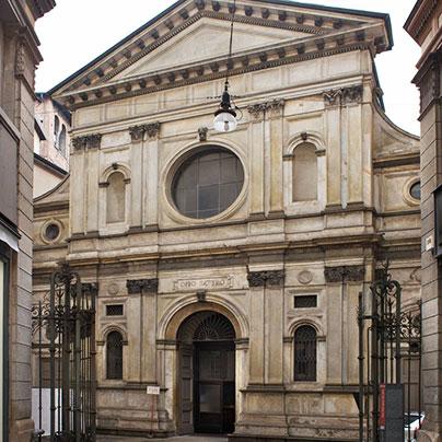 サンサティロ教会ファザード