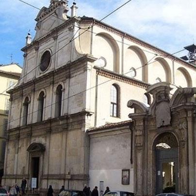 サンマウリッツィオ教会ファザード