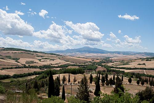 オルチャ渓谷とペコリーノチーズ農家ランチ