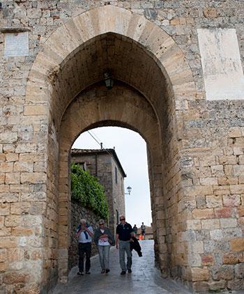 モンテリッジョーニ門