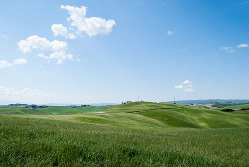 トスカーナの田園風景クレテ・セネージ