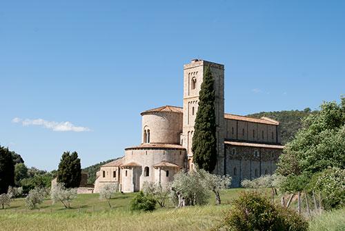 ロマネスク様式サンタンティモ修道院