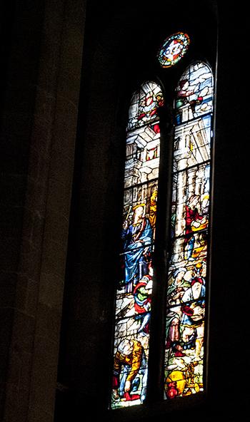 アレッツォ教会ステンドグラス
