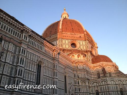 フィレンツェのドゥオモ夕暮れ