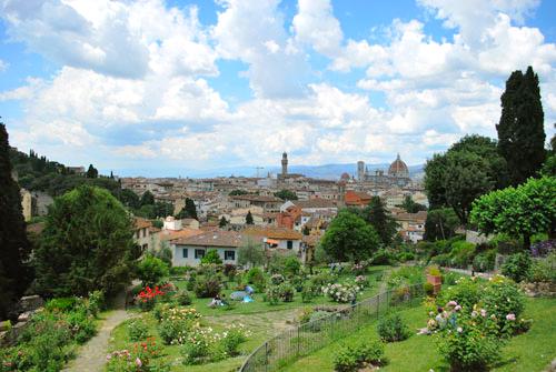 フィレンツェの薔薇園の午後
