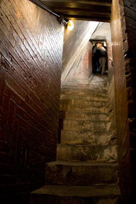 クーポラ階段