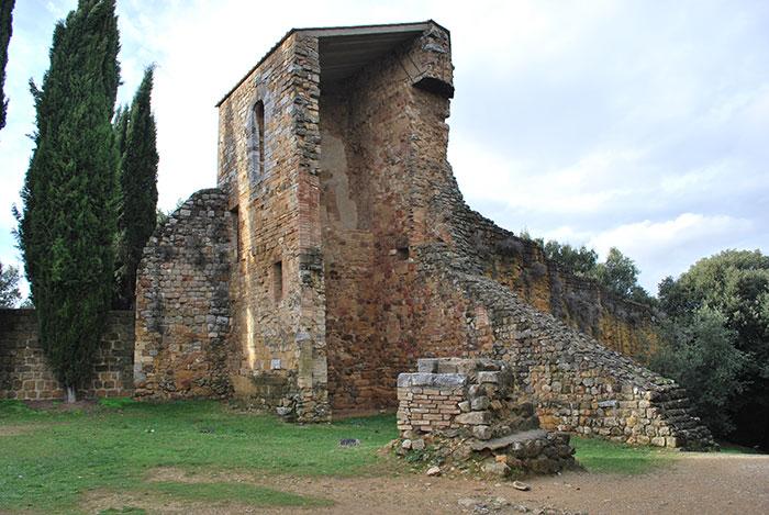 サン・クイリコ・ドルチャの門の跡