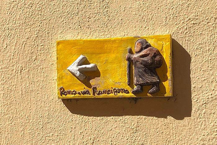 サン・クイリコ・ドルチャの看板