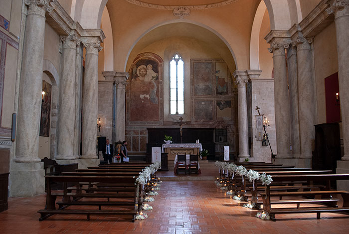 モンティッキエッロの教会内部