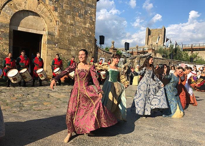 モンテリッジョーニ中世の祭り