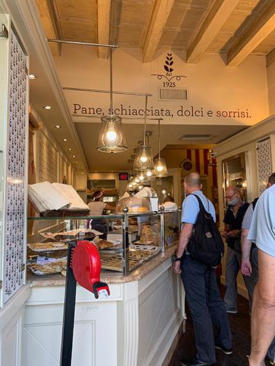 フィレンツェのパン屋プージ