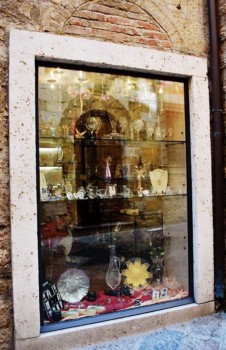 コッレディヴァルデルサのクリスタルガラス